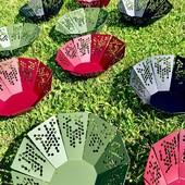 Voici Granny, notre corbeille à fruits. Alors est ce que vous l'imaginez chez vous ? Si oui, de quelle couleur ? Les motifs sont signés @Pierre Pierre. Découpée, pliée à Chalon-sur-Saône et peinte en Rhône Alpes ! • • • • #blaqandco #design #nouvellecollection #steel #interiordesign #behindthescene #prototype #madeinfrance #decorationinterieur #interiordesign #mobilier