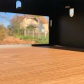 """""""Il y a le possible, cette fenêtre du rêve ouverte sur le réel"""" 💭💫💭 Ces photos prises à travers la niche de notre meuble Esseni m'ont fait penser à cette citation de Victor Hugo, et vous que vous inspirent-elles? • • • • #blaqandco #esseni #france #mobilier #steel #design #decorationinterieur #instahome #ideat #color #vinyladdict #designerboxmaker"""