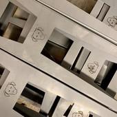 Aujourd'hui, pratique du taylorisme ! 🤔👷🔩🔧 • • • • #blaqandco #design #nouvellecollection #steel #interiordesign #behindthescene #prototype #madeinfrance #decorationinterieur #interiordesign #mobilier